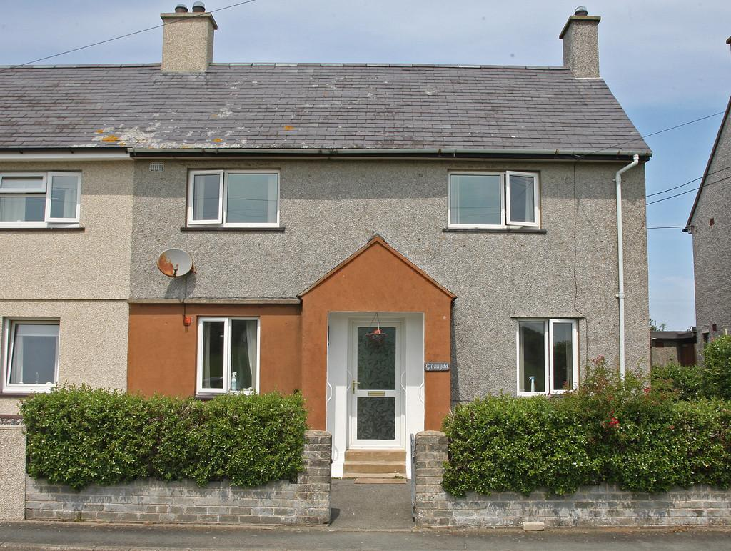 3 Bedrooms Semi Detached House for sale in Gerddi, Edern, North Wales