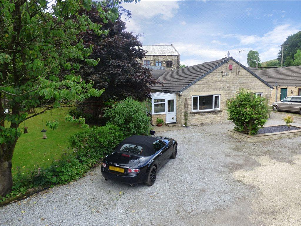 4 Bedrooms Link Detached House for sale in The Bungalow, Damems Lane, Keighley, West Yorkshire