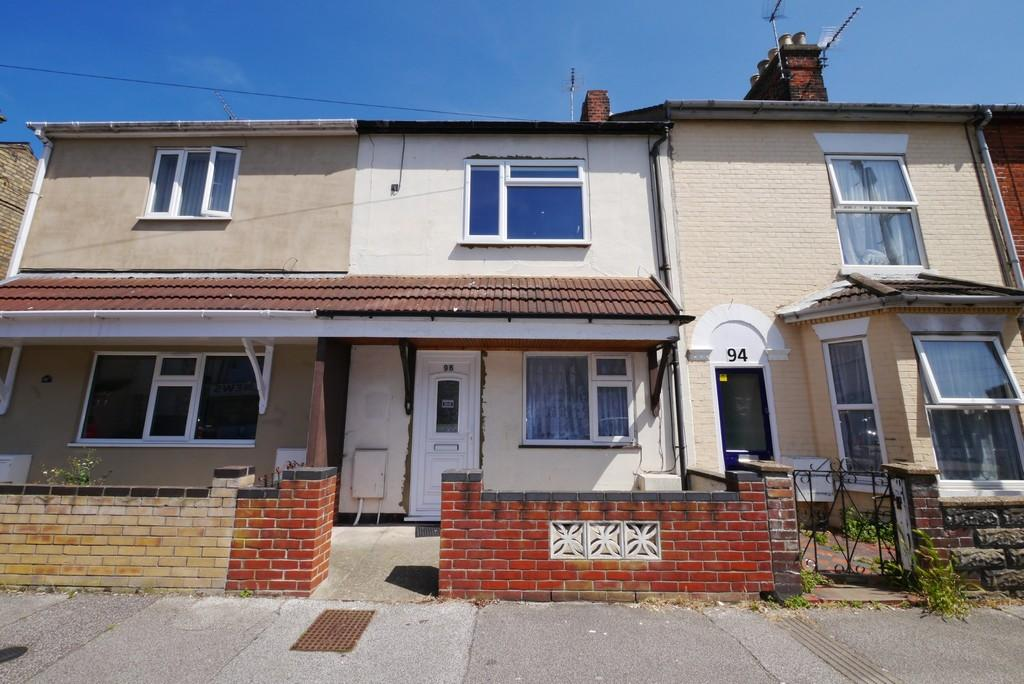 3 Bedrooms Terraced House for sale in Oxford Road, Lowestoft