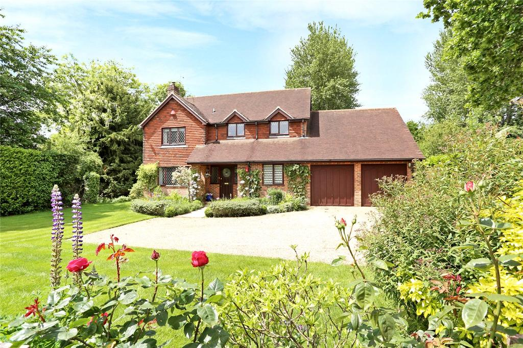 4 Bedrooms Detached House for sale in School Lane, Bentley, Farnham, Surrey