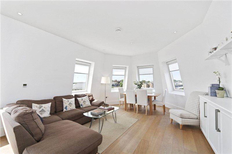2 Bedrooms Flat for sale in Wells Road, London, W12