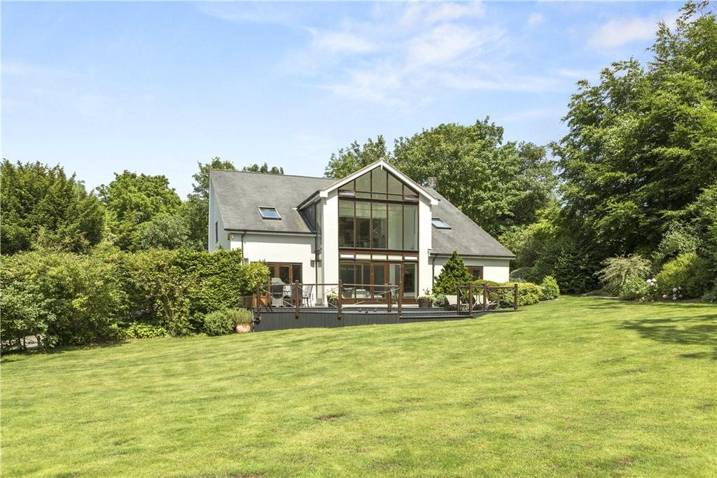 6 Bedrooms Detached House for sale in Tollgate, Guildford, Surrey, GU1