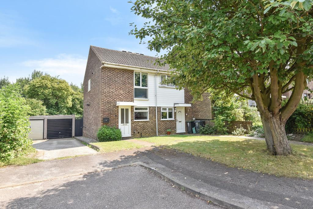 2 Bedrooms End Of Terrace House for sale in Sassoon Close, Larkfield