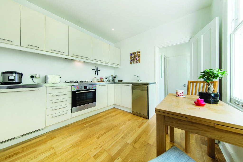 1 Bedroom Flat for sale in Edgington Road, SW16