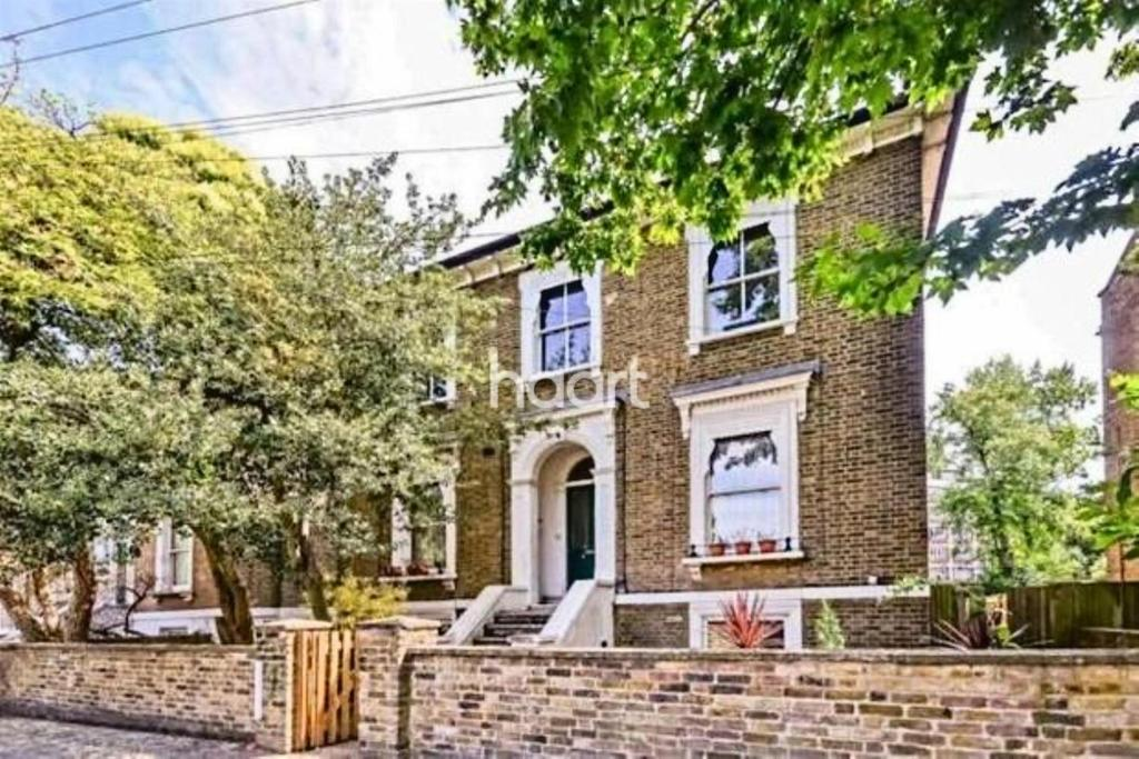 2 Bedrooms Flat for sale in Fiveways Road, Brixton, SW9