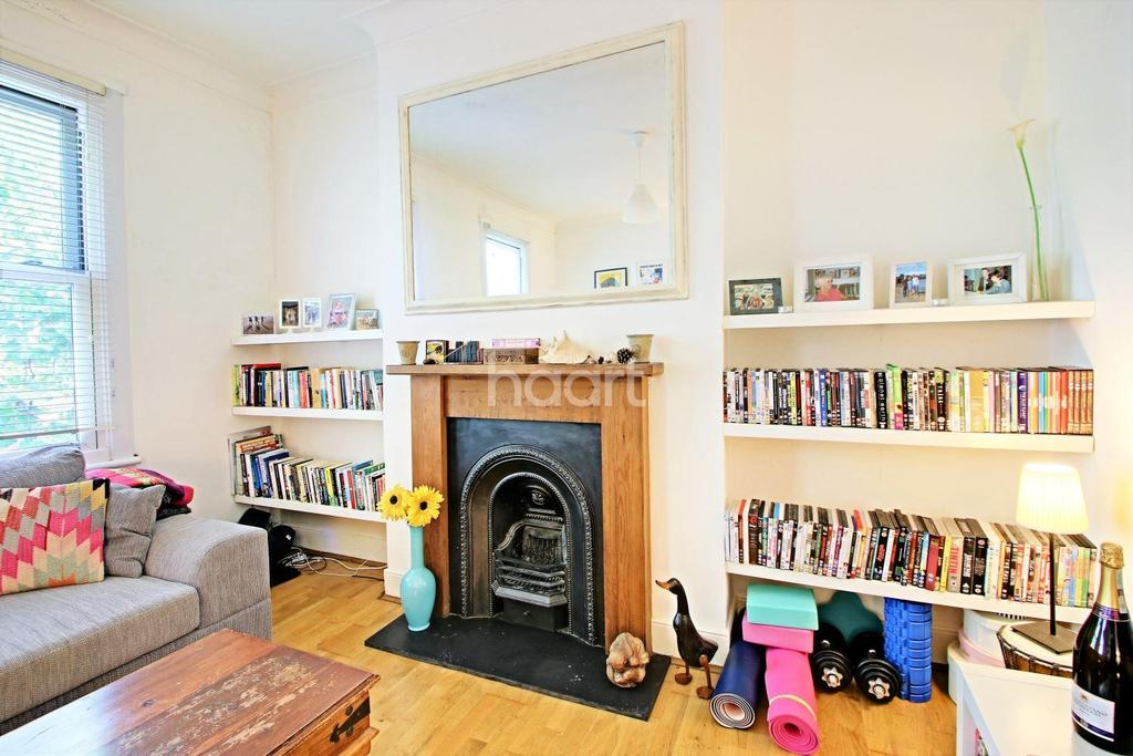 2 Bedrooms Flat for sale in Leytonstone Road, London, E15