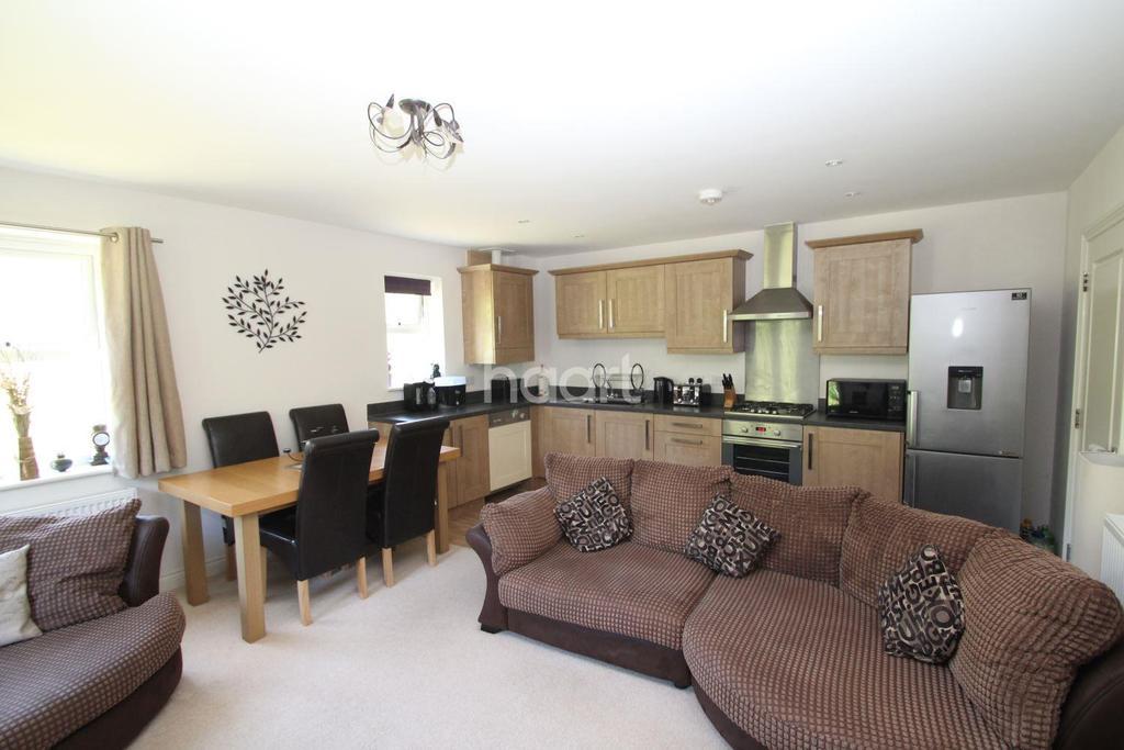 2 Bedrooms Flat for sale in Darwin Crescent, Torquay
