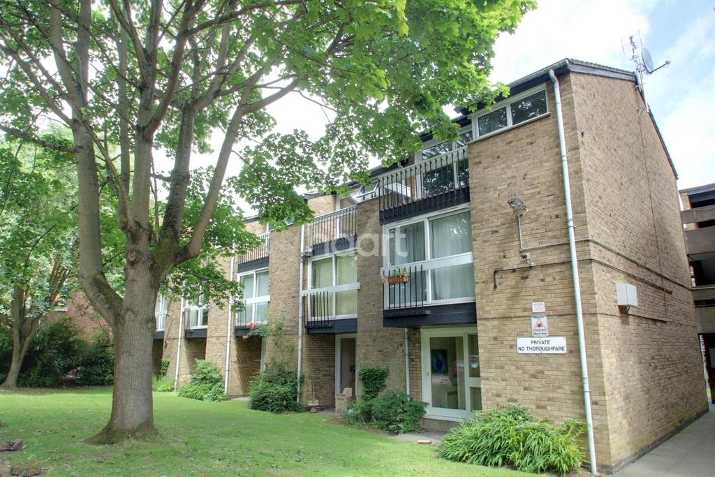 1 Bedroom Flat for sale in Oliver Court, London Road, Leicester