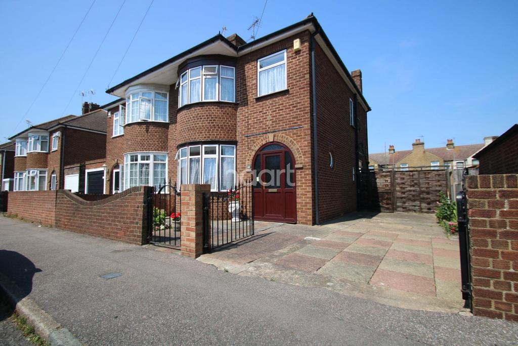 3 Bedrooms Semi Detached House for sale in St Helens Road, Sheerness, Kent