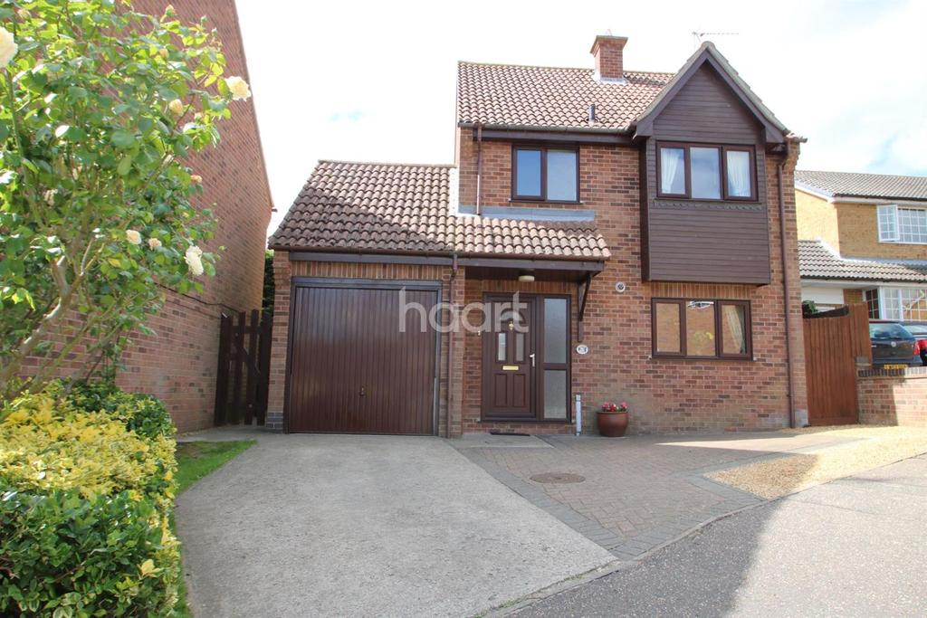 3 Bedrooms Detached House for sale in Gainsborough Drive, Lawford Dale, Manningtree
