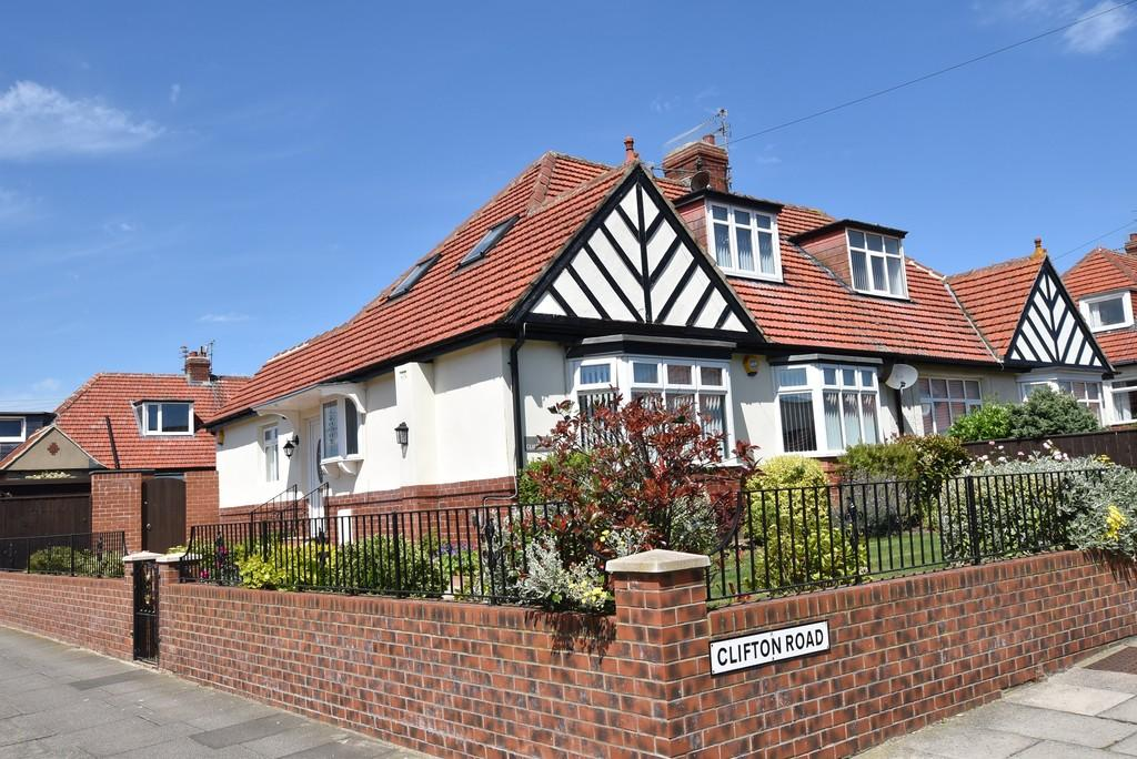 3 Bedrooms Semi Detached House for sale in Clifton Road, Seaburn