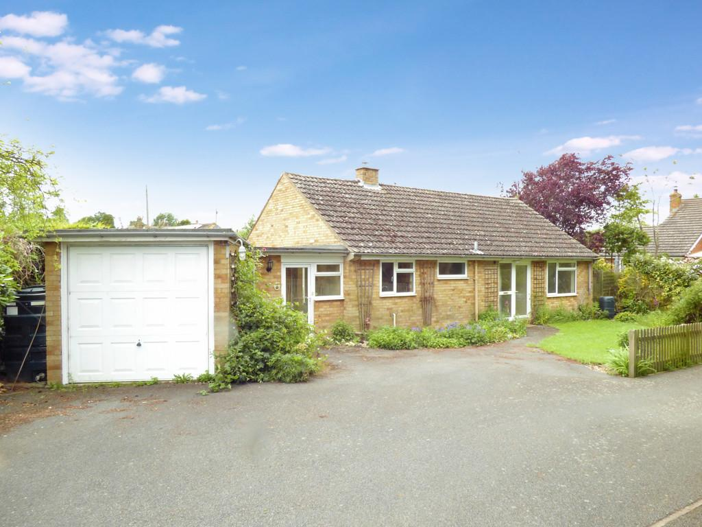 3 Bedrooms Detached Bungalow for sale in Churchill Close, Ettington