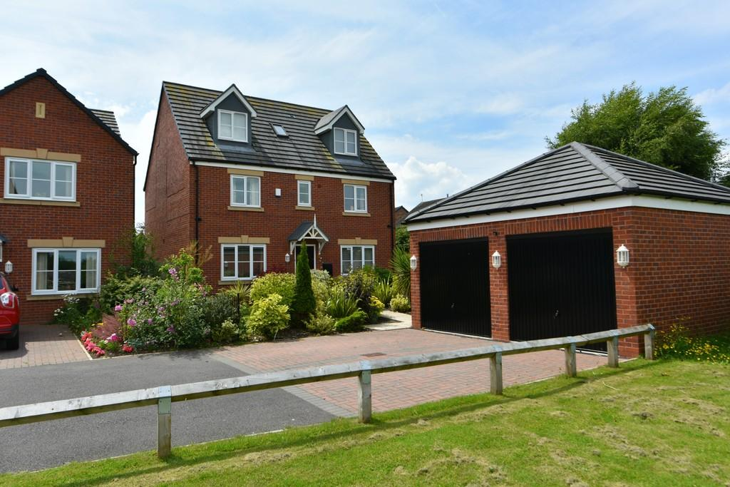 6 Bedrooms Detached House for sale in Mill Lane, Burscough