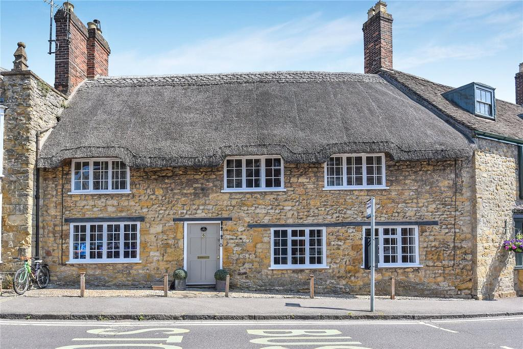 3 Bedrooms House for sale in The Green, Sherborne, Dorset, DT9