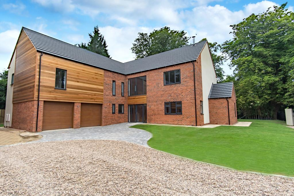 5 Bedrooms Detached House for sale in Barrowby, Grantham
