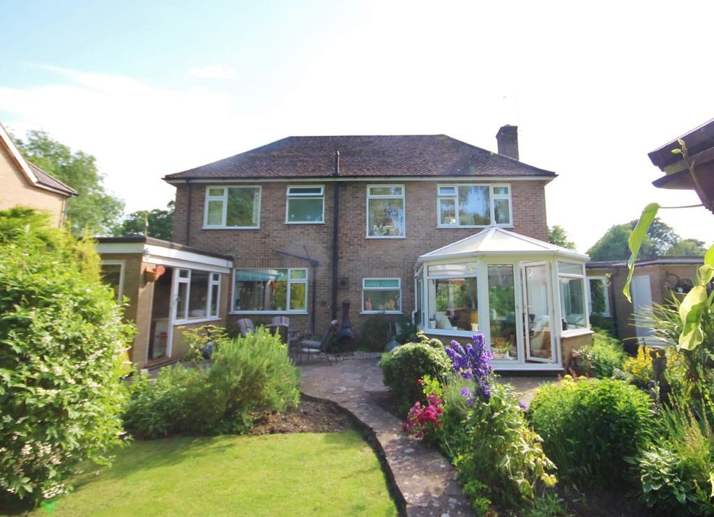 4 Bedrooms Detached House for sale in Exton, Rutland