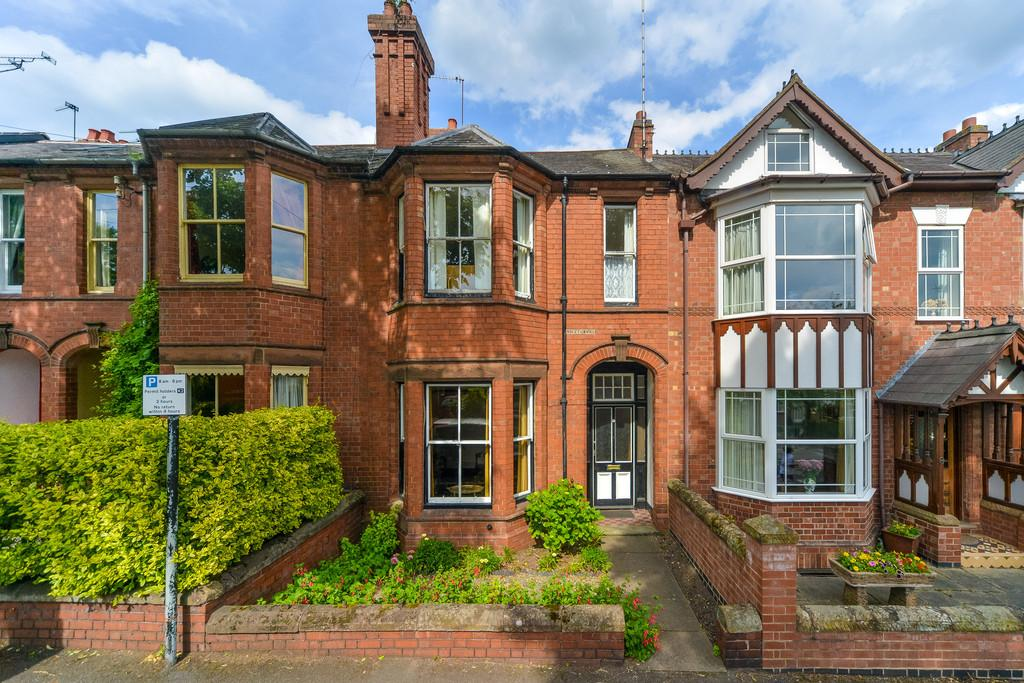 4 Bedrooms Terraced House for sale in Priory Road, Kenilworth