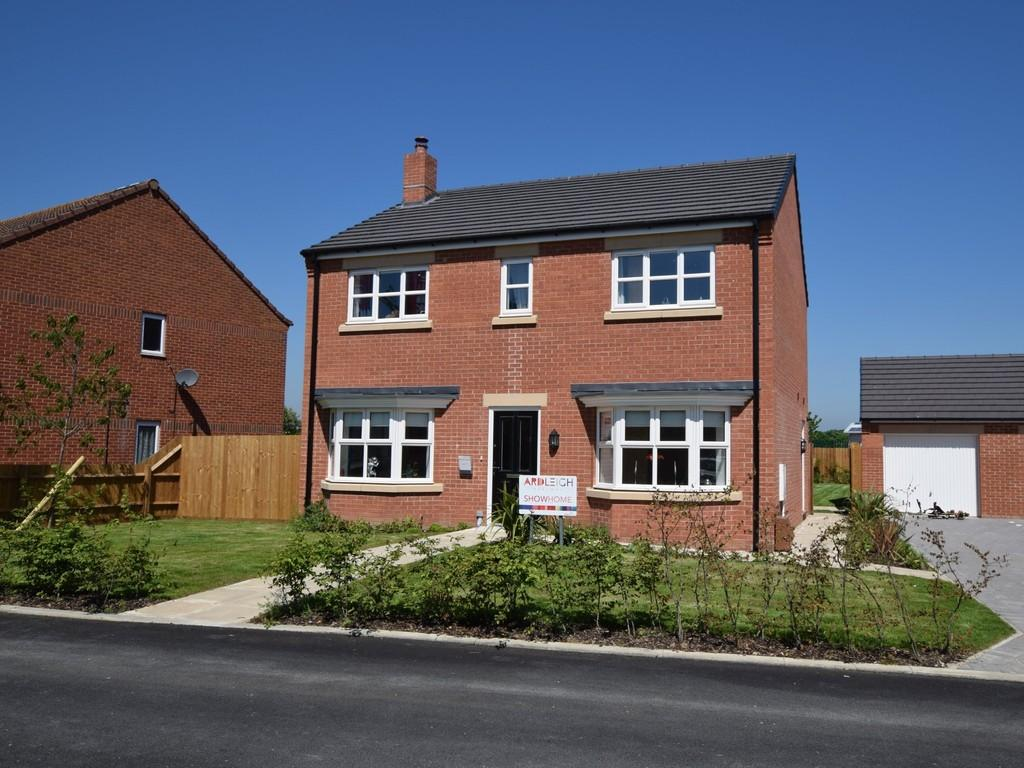 4 Bedrooms Detached House for sale in Ingrams Piece, Ardleigh