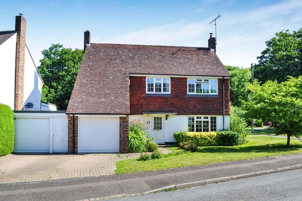 4 Bedrooms Detached House for sale in Orde Close, Pound Hill