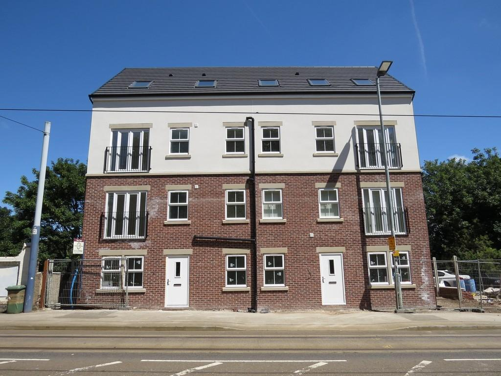 2 Bedrooms Ground Flat for sale in Shield House, Langsett Road, Sheffield