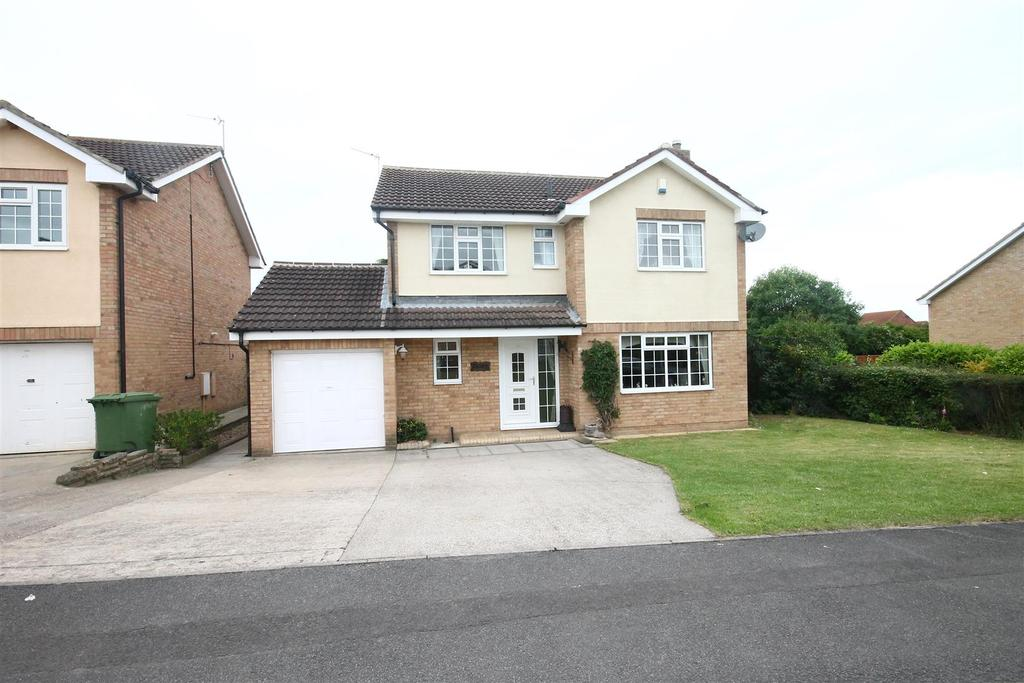 4 Bedrooms Detached House for sale in Wheatear Lane, Ingleby Barwick, Stockton-On-Tees