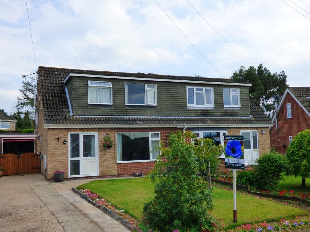 3 Bedrooms Semi Detached House for sale in Windsor Drive, Caistor