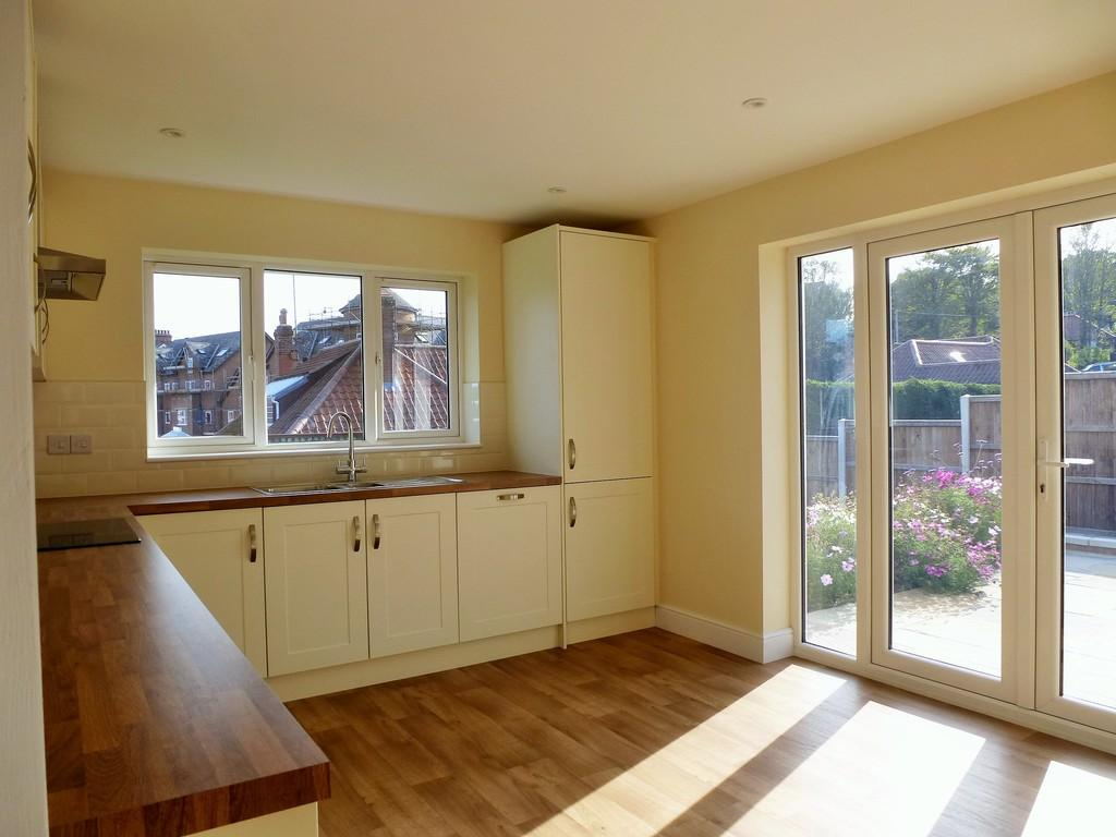 4 Bedrooms Detached Bungalow for sale in Cromer