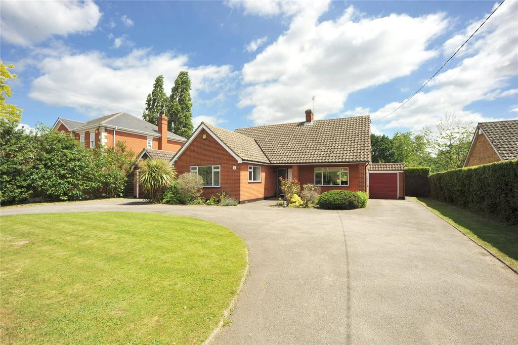 3 Bedrooms Detached Bungalow for sale in Church Road, Ramsden Bellhouse, Billericay, Essex, CM11