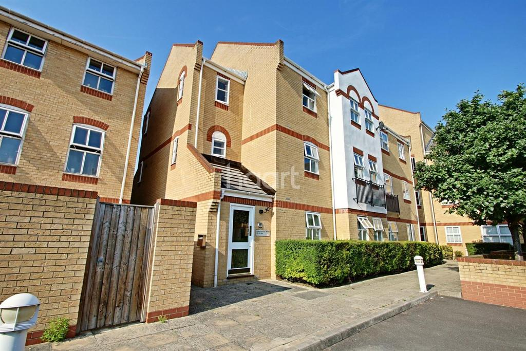 2 Bedrooms Flat for sale in Aaron Hill Road, Beckton