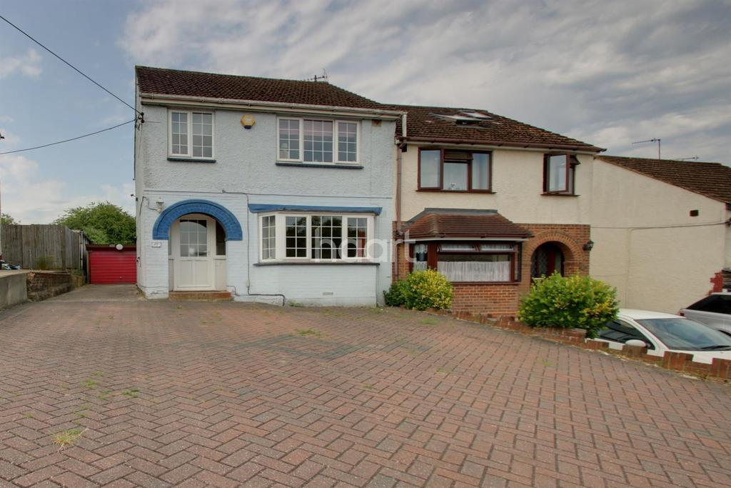 3 Bedrooms Semi Detached House for sale in Dargets Road, Walderslade