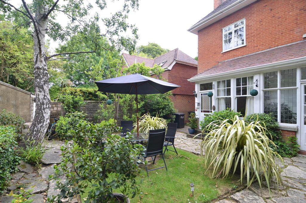 3 Bedrooms Apartment Flat for sale in Talbot Avenue, Bournemouth