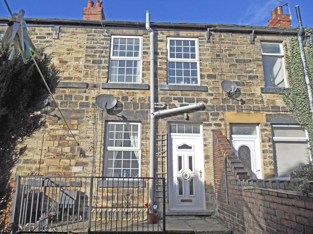 2 Bedrooms Terraced House for sale in South Street, Ossett