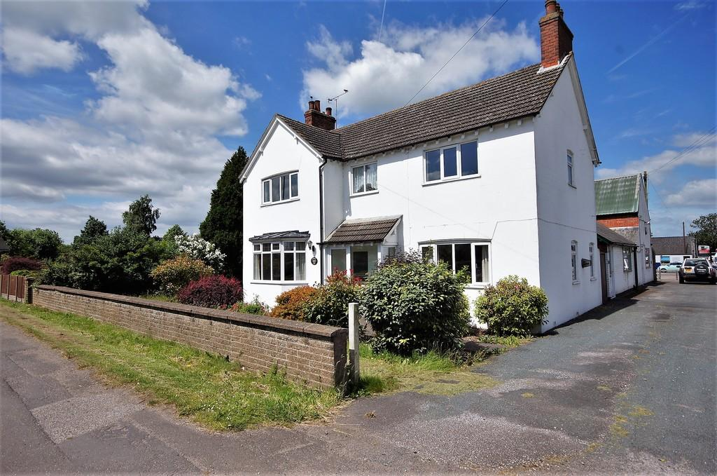 3 Bedrooms Detached House for sale in Station Road, Langworth, Lincoln
