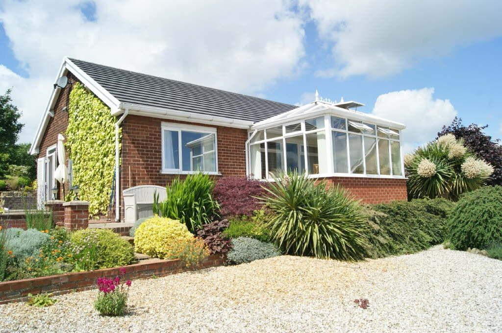 3 Bedrooms Detached Bungalow for sale in Hill Street, Pentre Broughton