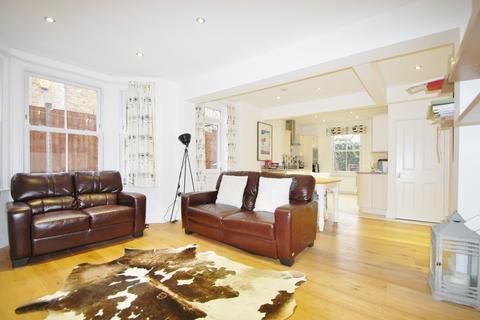 2 bedroom maisonette to rent - St Alphonsus Road, Clapham