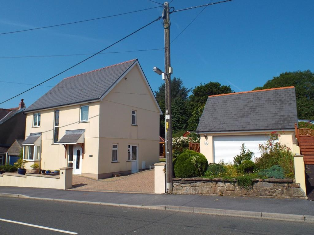 4 Bedrooms Detached House for sale in Llannon Road, Pontyberem