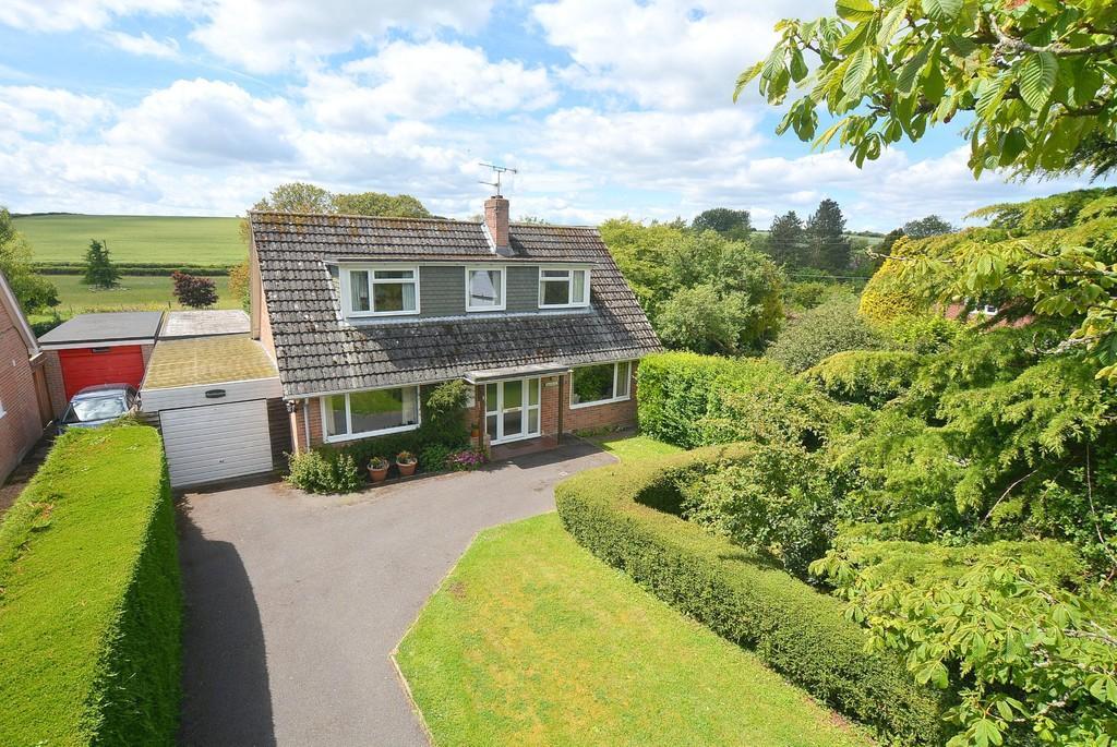 4 Bedrooms Chalet House for sale in Gussage All Saints, Wimborne