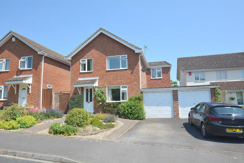 4 Bedrooms Detached House for sale in Hornbeam Way, Wimborne