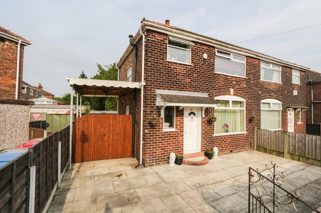 3 Bedrooms Semi Detached House for sale in 46 Silverdale Ave Irlam