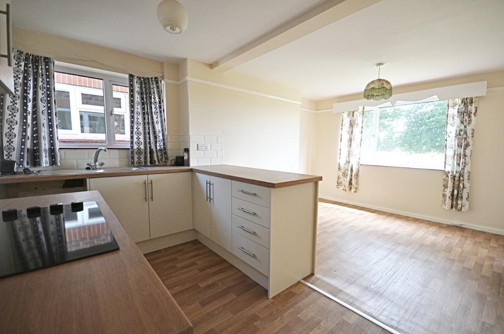 3 Bedrooms Semi Detached House for sale in Roman Way, Stoke Ash