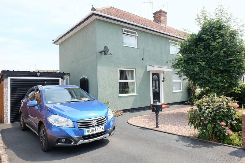 3 Bedrooms Semi Detached House for sale in Garland Road, Stourport-On-Severn DY13 8RT