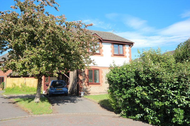 3 Bedrooms Detached House for sale in Mallards Reach, Marshfield