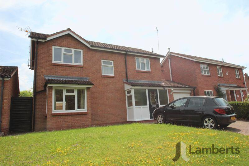 4 Bedrooms Detached House for sale in Hatfield Close, Redditch