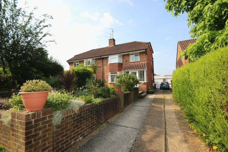 3 Bedrooms Semi Detached House for sale in Ashenground Road, Haywards Heath, West Sussex
