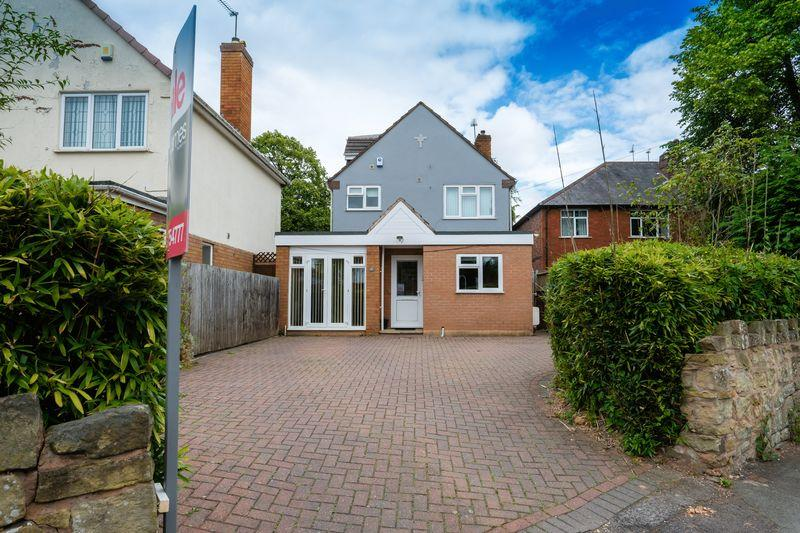 4 Bedrooms Detached House for sale in Mount Road, Penn, Wolverhampton