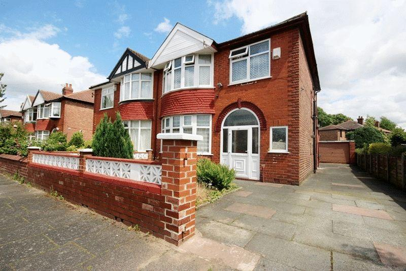 3 Bedrooms Semi Detached House for sale in Northleigh Road,