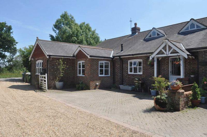 4 Bedrooms Equestrian Facility Character Property for sale in Henfield Road, Albourne, Hassocks