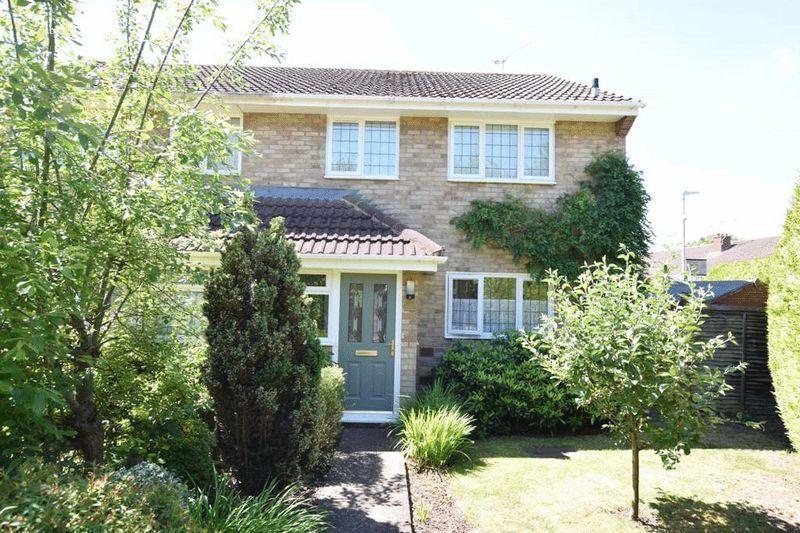 3 Bedrooms Semi Detached House for sale in Snowdon Ave, Vinters Park