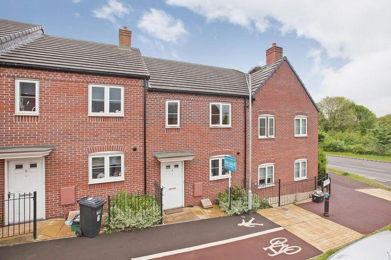 2 Bedrooms Terraced House for sale in STAPLEGROVE