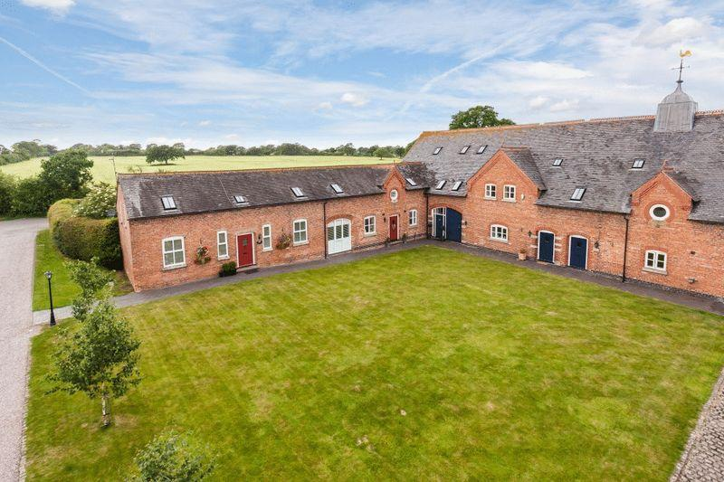 2 Bedrooms Barn Conversion Character Property for sale in Sandown Reach, Coole Lane, Nantwich